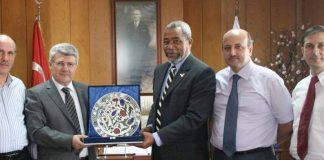 Türken eröffnen Schule in Jamaika