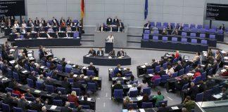 Opposition gegen, jüdische und türkische Verbände für Beschneidungsgesetz