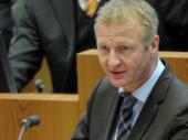 """Ralf Jäger: """"Demokratie muss jetzt beweisen, dass sie wehrhaft ist"""""""