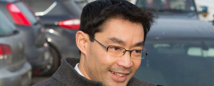 FDP-Chef Rösler nimmt Hahn in Schutz