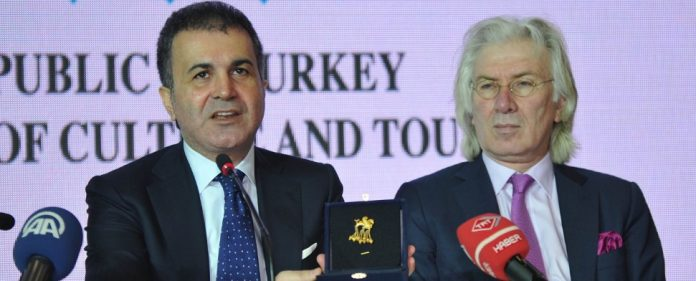Deutschland gibt gestohlene Krösus-Goldbrosche an Türkei zurück