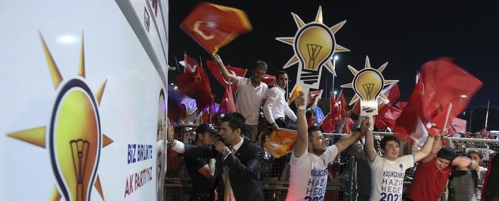 Gefährliches Muskelspiel der AKP