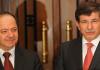 Der türkische Außenminister Davutoglu mit dem Präsidenten der autonomen Region Nordirak, Masud Barzani.