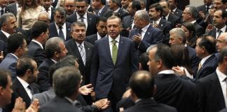 Die Vollmitgliedschaft der Türkei liegt noch in weiter Ferne. Nach Meinung vieler europäischer Beobachter ähnelt die AKP zunehmend der Muslimbruderschaft.