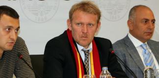 Prosinecki und Hurma auf einer Pressekonferenz - cihan