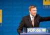 Der FDP-Bundesvorsitzende Christian Lindner spricht am 08.12.2013 in Berlin beim FDP Bundesparteitag zu den Delegierten - dpa.