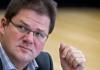 Der NPD-Vorsitzende und Fraktionschef im Sächsischen Landtag, Holger Apfel, nimmt am 14.12.2011 an der Sitzung des Sächsischen Landtags in Dresden (Sachsen) teil. Der NPD-Bundesvorsitzende Holger Apfel ist zurückgetreten. Er gab auch den Fraktionsvorsitz im sächsischen Landtag auf.