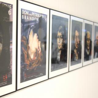 Ein Schützengraben in Verdun, Lenin, Hitler und Löcher in der Mauer: Im Europäischen Erinnerungsjahr 2014 zeigt eine Ausstellung an mehr als 1000 Orten in Deutschland die wechselvolle Geschichte des 20. Jahrhunderts.