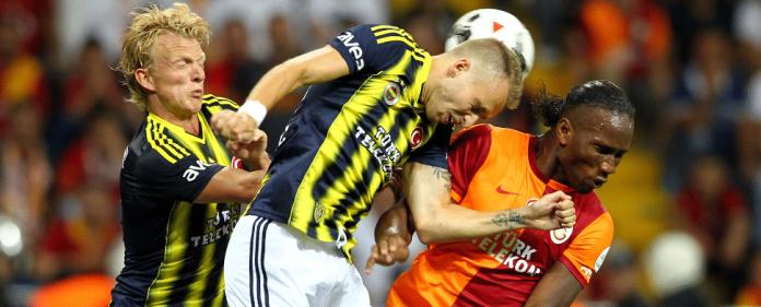 Eine Szene aus dem Derby zwischen Galatasaray und Fenerbahce Istanbul.