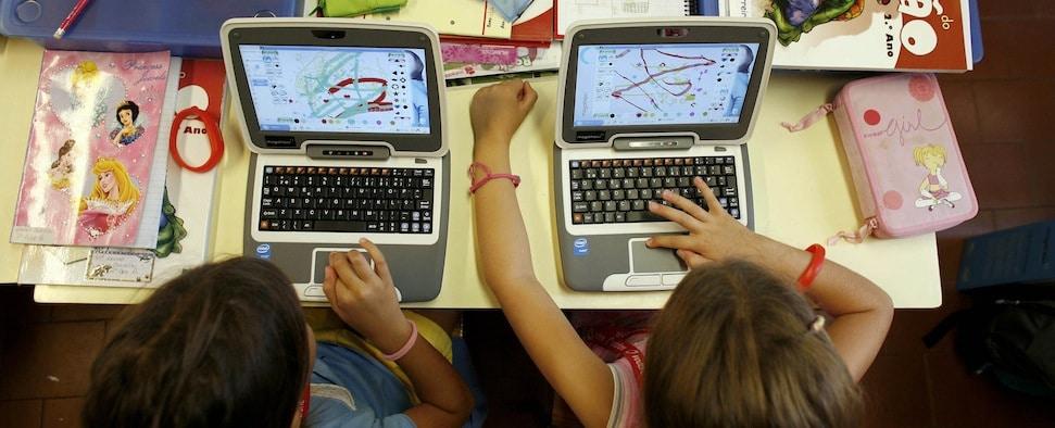 Medienpädagogik ist wichtig zur Einübung sorgfältiger Verhaltensweisen in einer Zeit, da das Internet zur Spielwiese für Kriminelle oder Geheimdienste wird.