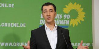 Cem Özdemir bei einer Rede.