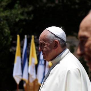 Papst Franziskus mit Schimon Peres.