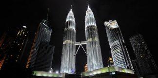 In Malaysia sind nach der Verhaftung von 17 mutmaßlichen ISIS-Anhängern, die Anschläge geplant haben sollen, die Antiterrorgesetze verschärft worden.
