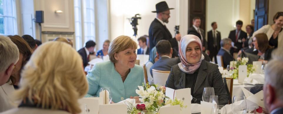 Merkel nimmt Iftar teil Islam gehört unzweifelhaft Deutschland