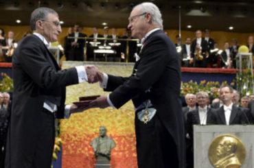 Aziz Sancar nimmt Nobelpreis für Chemie entgegen