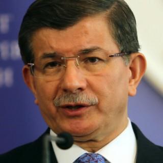 Premierminister Ahmet Davutoğlu auf Staatsbesuch in der Ukraine