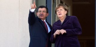 Angela Merkel und Ahmet Davutoğlu