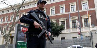 Türkische Polizei vor dem Deutschen Generalkonsulat in Istanbul