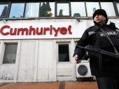 Vier «Cumhuriyet»-Journalisten bleiben in U-Haft