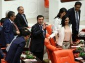 HDP-Abgeordnete nach Freilassung wieder in Untersuchungshaft