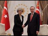 Wie der Brexit der Türkei zugutekommt: May und Erdoğan schließen Rüstungsdeal