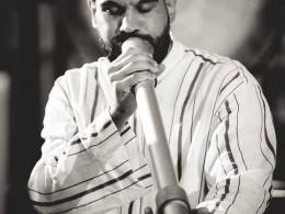 Ein Didgeridoo unter den Sufis