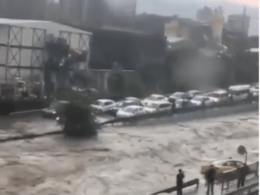 Türkei: Verkehrschaos durch Unwetter