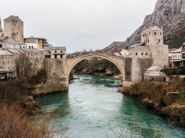 Srebrenica: Bosnische Familie Jahre später wieder glücklich Daheim