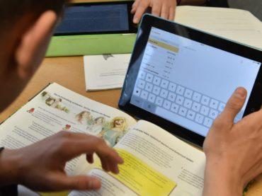 Studie: Fehlende Konzepte und Technik bremsen digitales Lernen aus