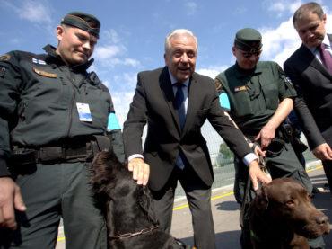 EU-Kommissar Avramopoulos will am Flüchtlingspakt mit Türkei festhalten